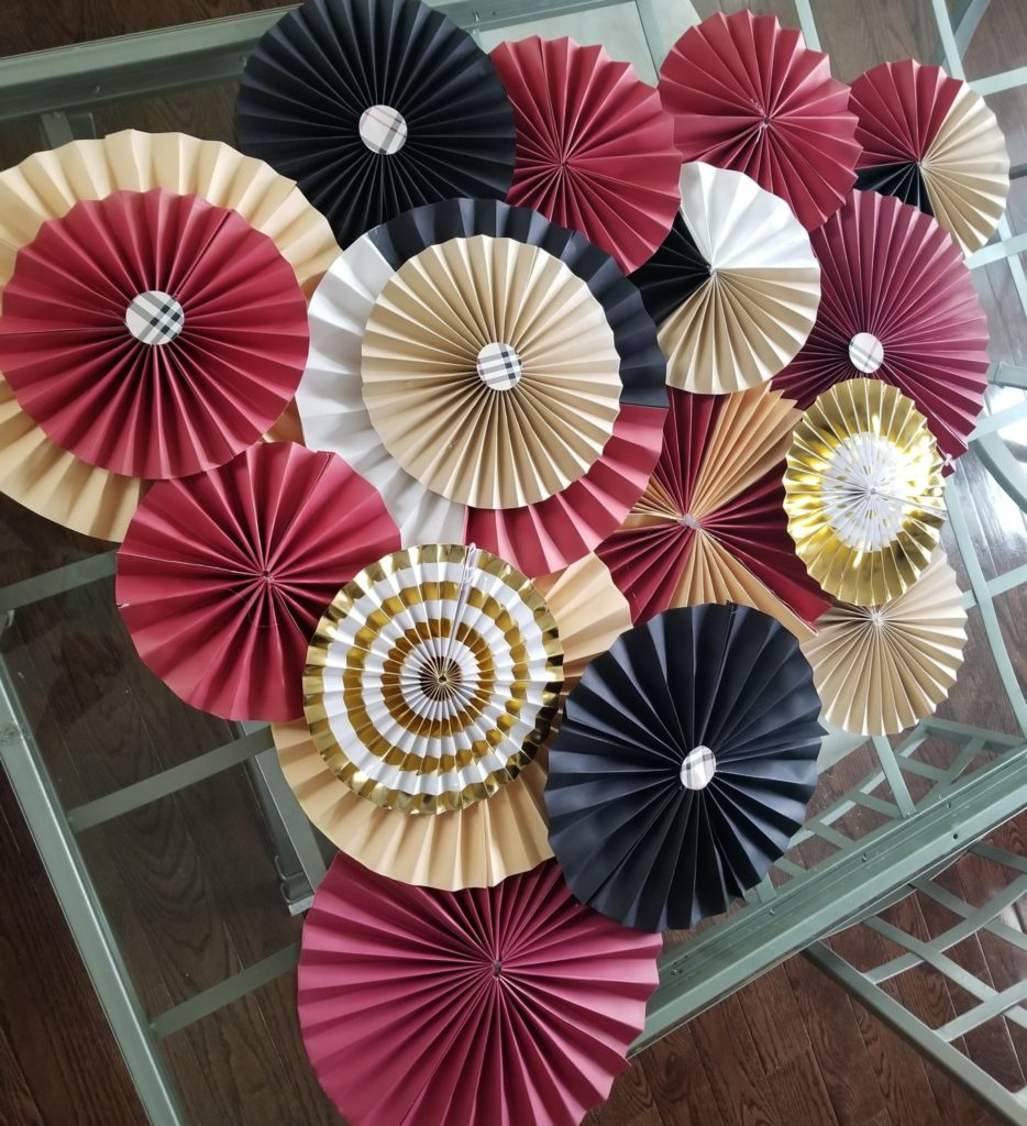 Learn How To Make Paper Fans for A Backdrop Tutorial - VCDiy