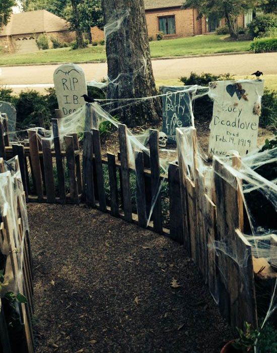 Decorations For A Diy Haunted House